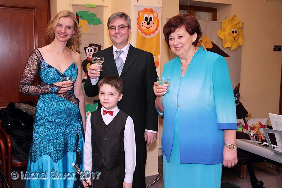 Monika Sommerová, Mgr. Michal Macourek, poslankyně Mgr. Miloslava Rutová a prvňáček a flétnista Ondřej Macourek